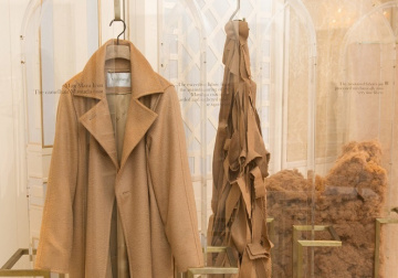 Max Mara inroduces CameLux at the occasion of the Roundtable on Sustainability
