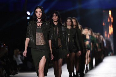 Milano Moda Donna auctions with Charitybuzz