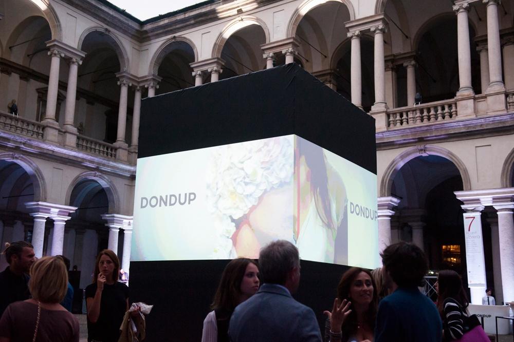 Presentazione S/S 2015 - Dondup 24