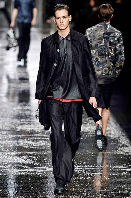 Fotoservizio/SS 2016/MEN/FENDI/DP1/40