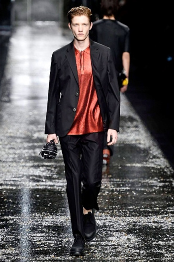 Fotoservizio/SS 2016/MEN/FENDI/DP1/44