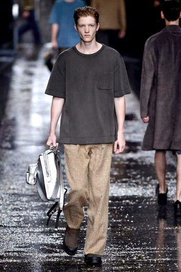 Fotoservizio/SS 2016/MEN/FENDI/DP1/2