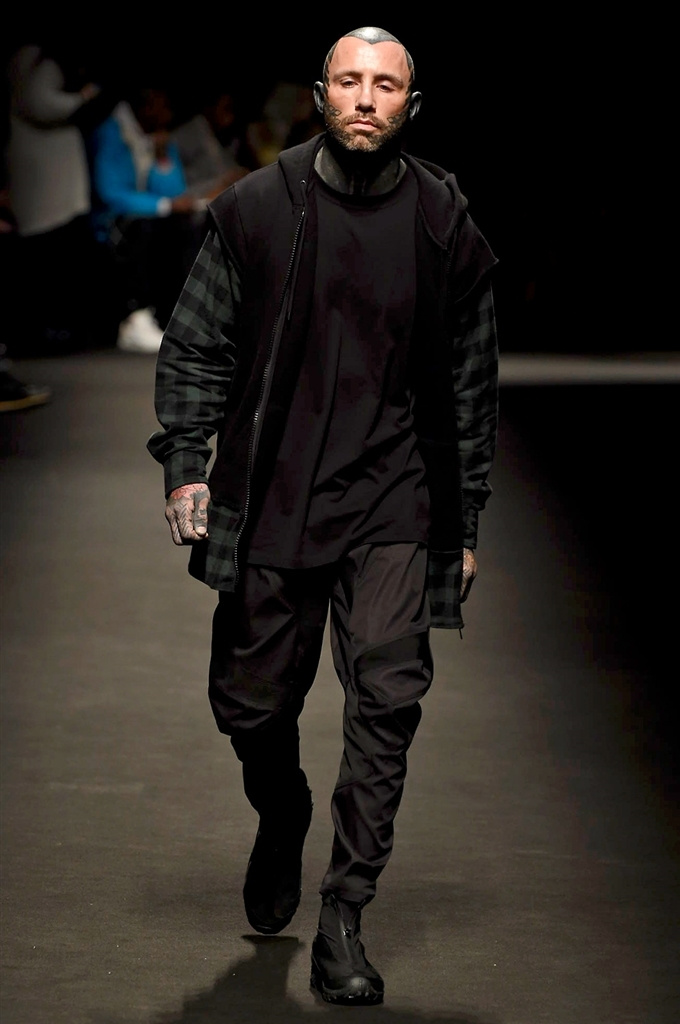 Fotoservizio/FW 2018-2019/MEN/MARCELO BURLON COUNTY OF MILAN/DP2/12