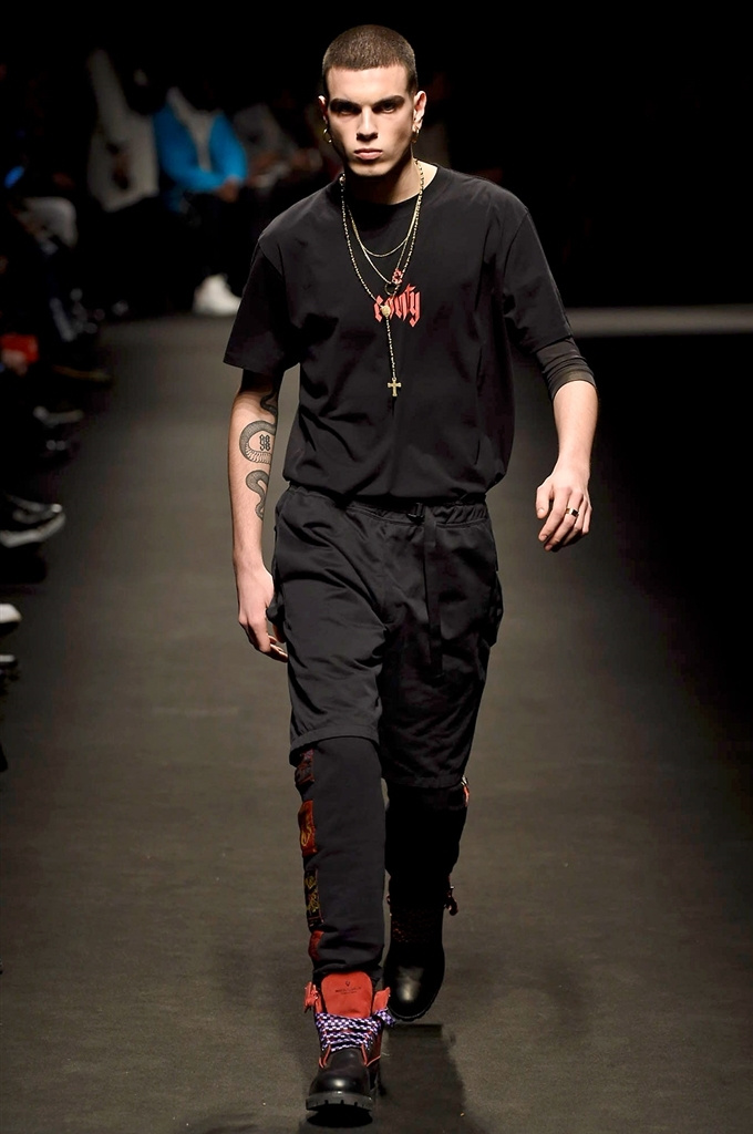 Fotoservizio/FW 2018-2019/MEN/MARCELO BURLON COUNTY OF MILAN/DP2/16