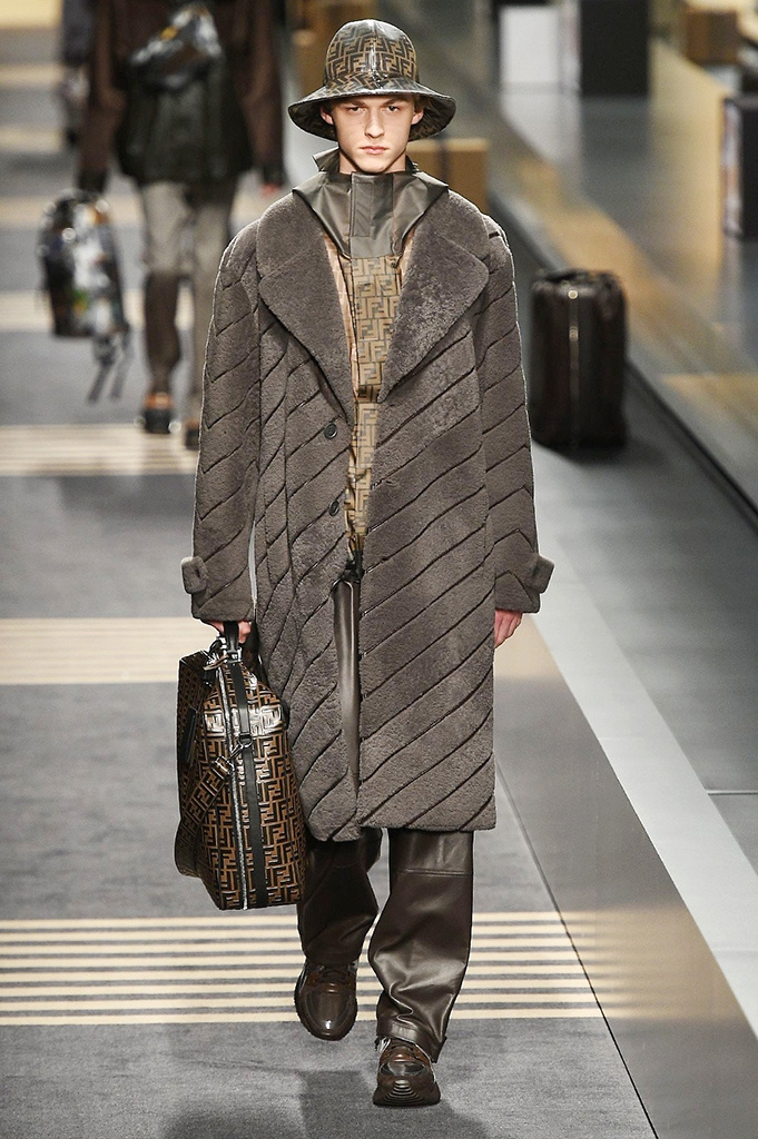 Fotoservizio/FW 2018-2019/MEN/FENDI/DP2/ 19