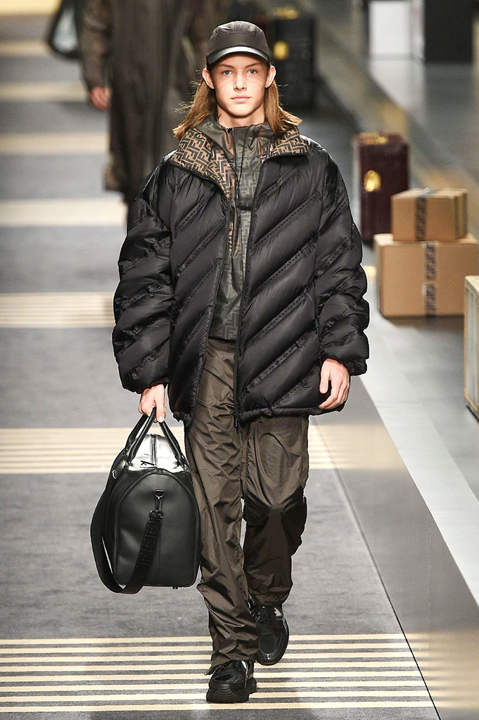 Fotoservizio/FW 2018-2019/MEN/FENDI/DP2/ 23