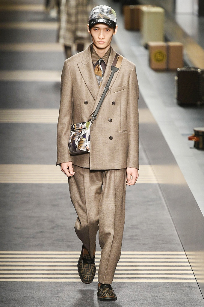 Fotoservizio/FW 2018-2019/MEN/FENDI/DP2/ 36