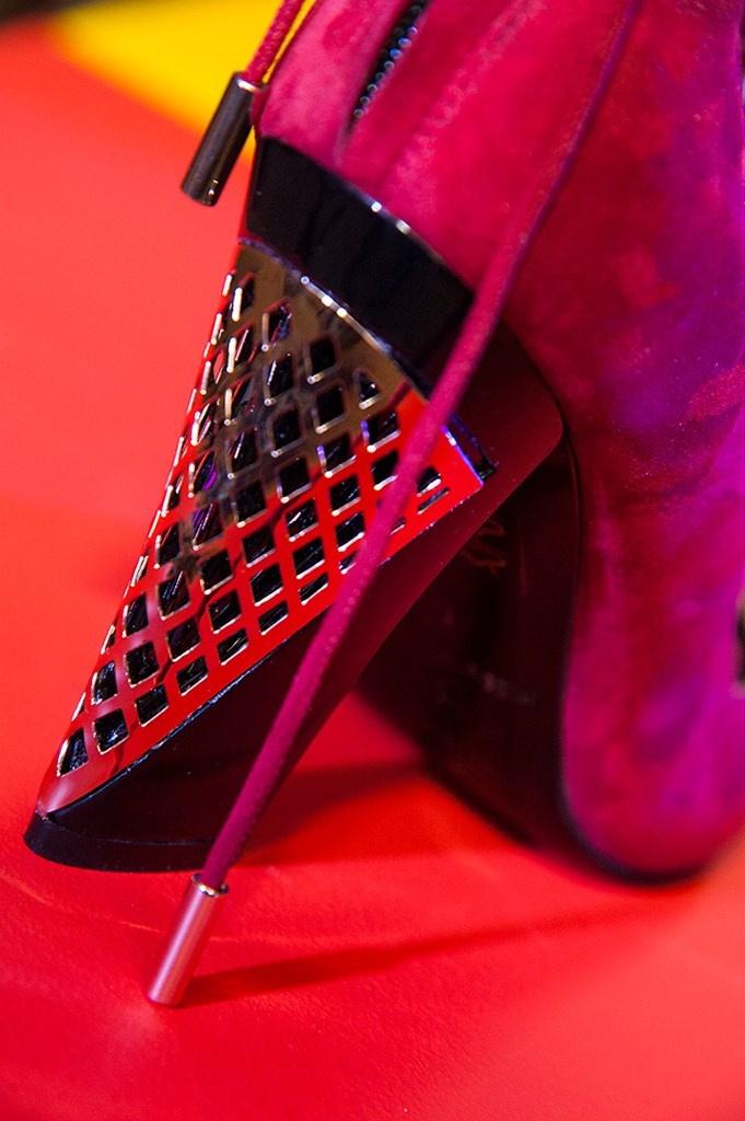 Fotoservizio/FW 18-19/WOMEN/MARIO VALENTINO/DP2/43