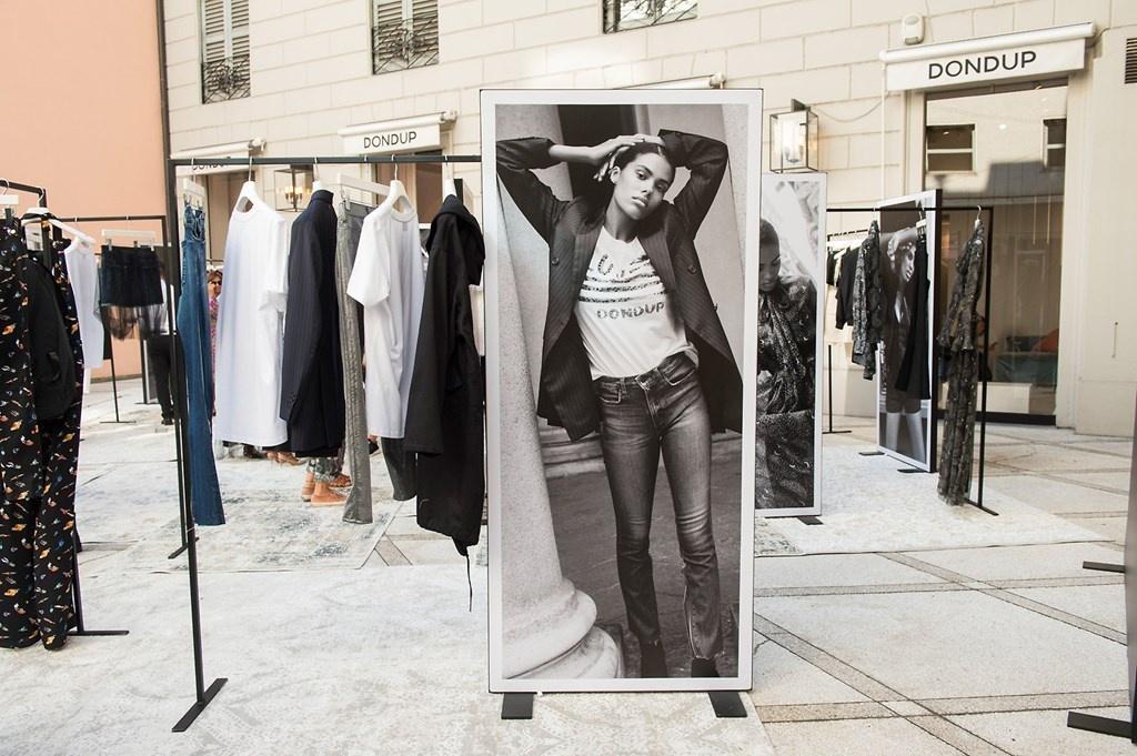 Fotoservizio/SS 2019/WOMEN/PRESENTAZIONE/DONDUP/DP2/0