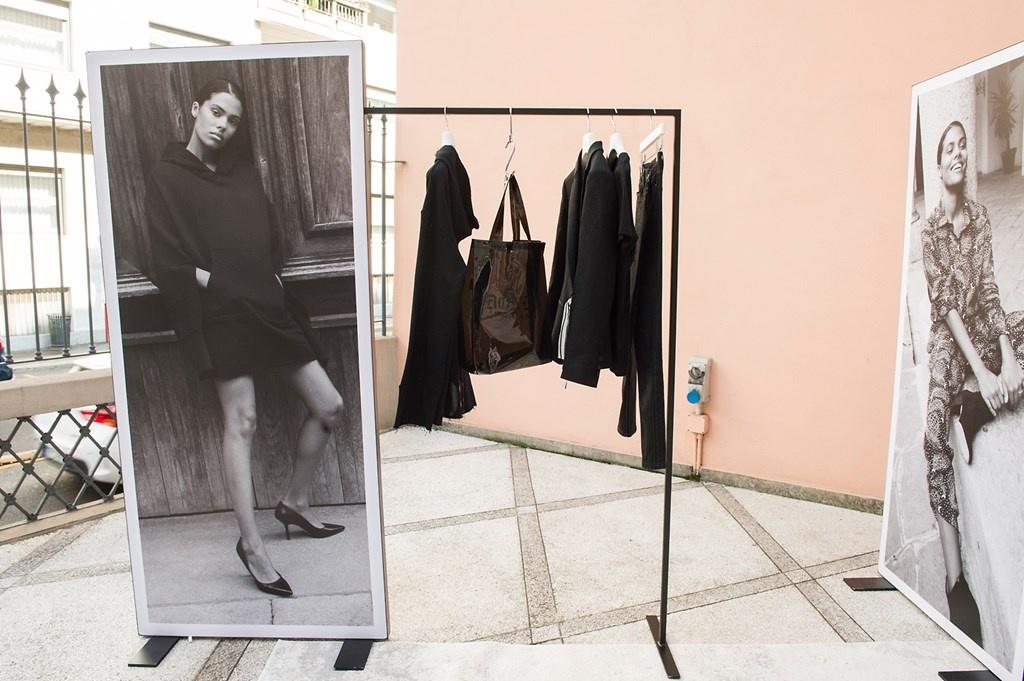 Fotoservizio/SS 2019/WOMEN/PRESENTAZIONE/DONDUP/DP2/5