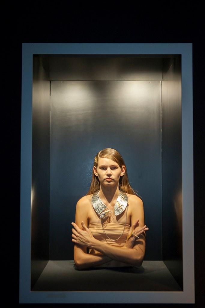 Fotoservizio/SS 2019/WOMEN/PRESENTAZIONE/GIANNI DE BENEDITTIS PER FUTUROREMOTO GIOIELLI/DP2/25