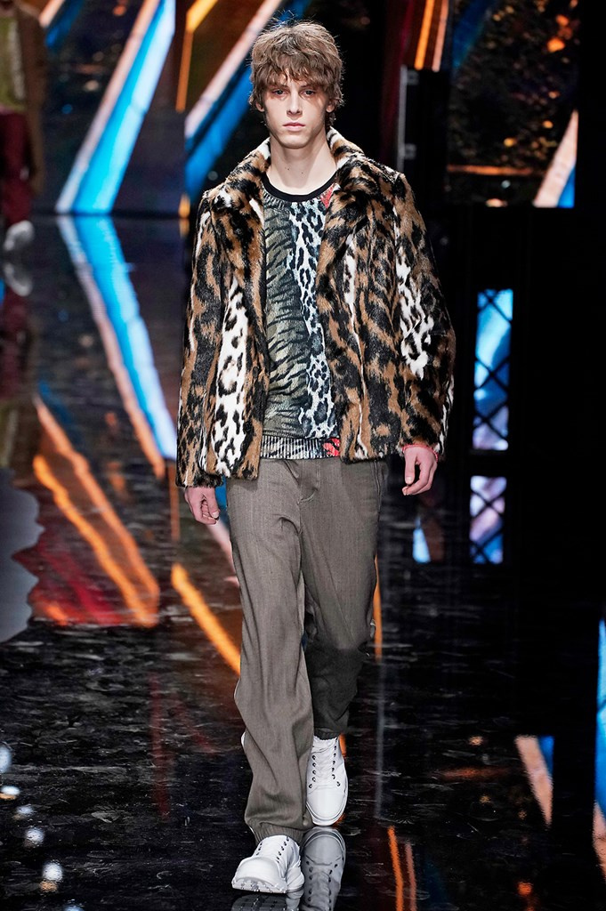 Fotoservizio/FW 19-20/MEN/SFILATA/NEIL BARRETT/DP2/1