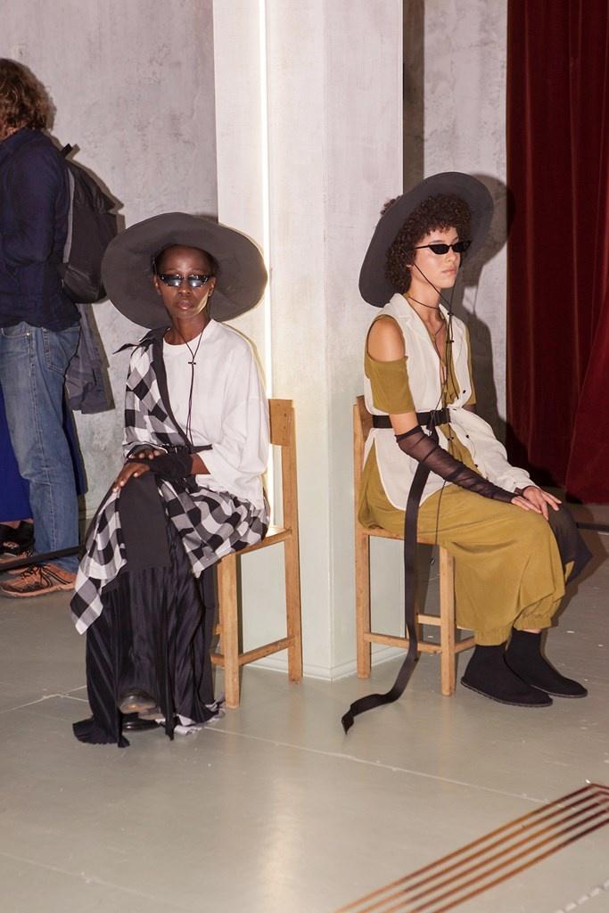 Fotoservizio/SS 2019/WOMEN/PRESENTAZIONE/MINIMAL TO/DP2/8