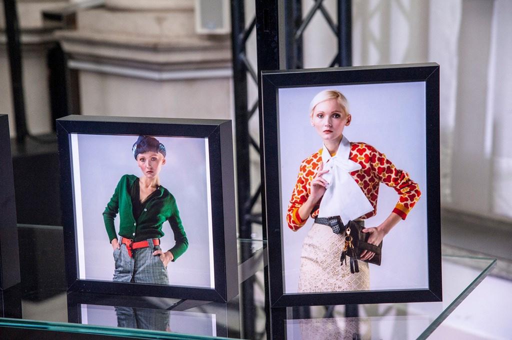 Fotoservizio/FW 19-20/WOMEN/PRESENTAZIONE/LAURA STRAMBI/DP2/17