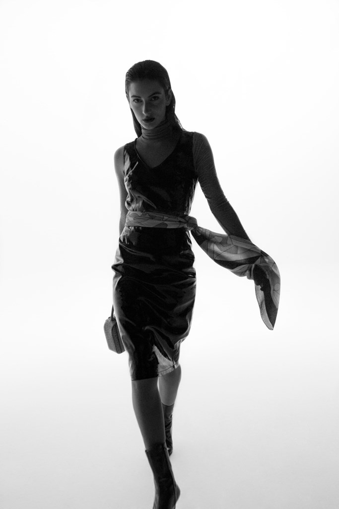 Fotoservizio/FW 21-22/WOMEN/PRESENTAZIONE/MARIO VALENTINO/DP2/7