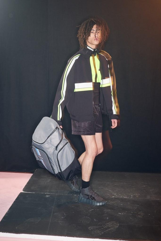 Fotoservizio/FW 21-22/WOMEN/SFILATA/ONITSUKA TIGER/DP2/29