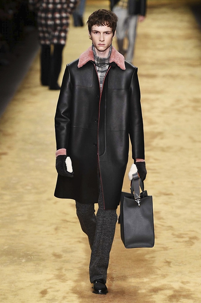 Fotoservizio/FW 2016-2017/MEN/FENDI/DP2/16