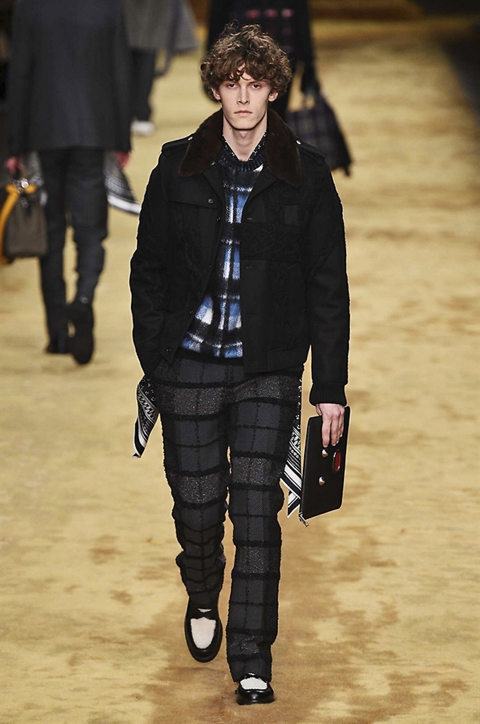 Fotoservizio/FW 2016-2017/MEN/FENDI/DP2/3