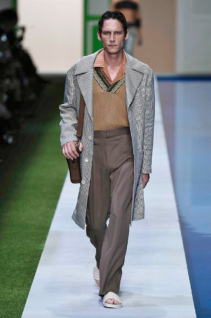 Fotoservizio/SS 2017/MEN/FENDI/DP2/0