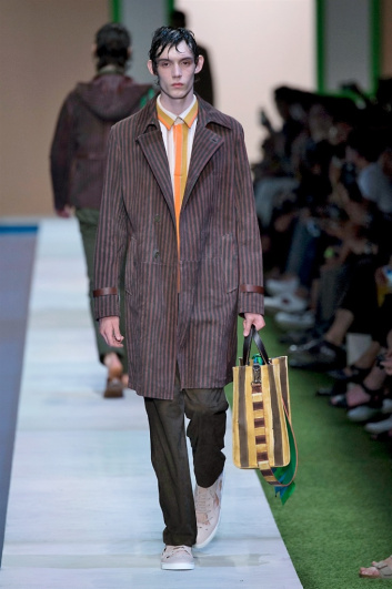 Fotoservizio/SS 2017/MEN/FENDI/DP2/9