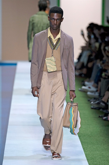 Fotoservizio/SS 2017/MEN/FENDI/DP2/11
