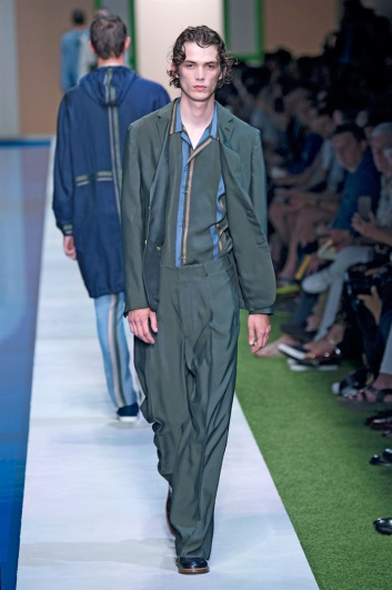 Fotoservizio/SS 2017/MEN/FENDI/DP2/39
