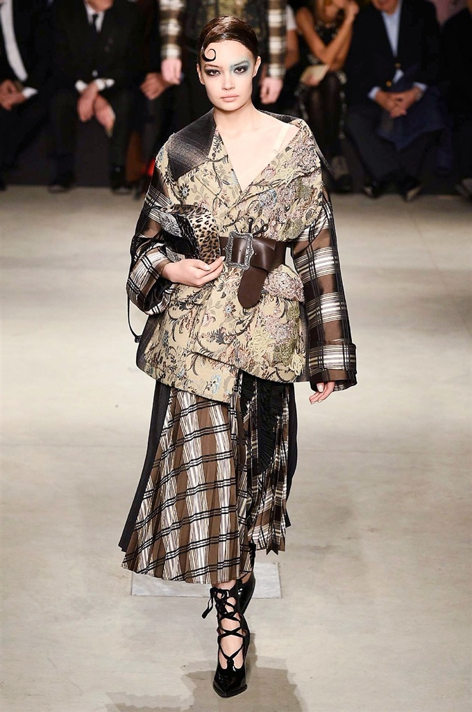 Fotoservizio/FW 2017-2018/WOMEN/ANTONIO MARRAS/DP2/1