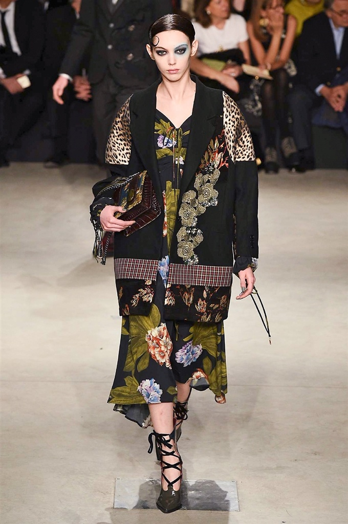 Fotoservizio/FW 2017-2018/WOMEN/ANTONIO MARRAS/DP2/0