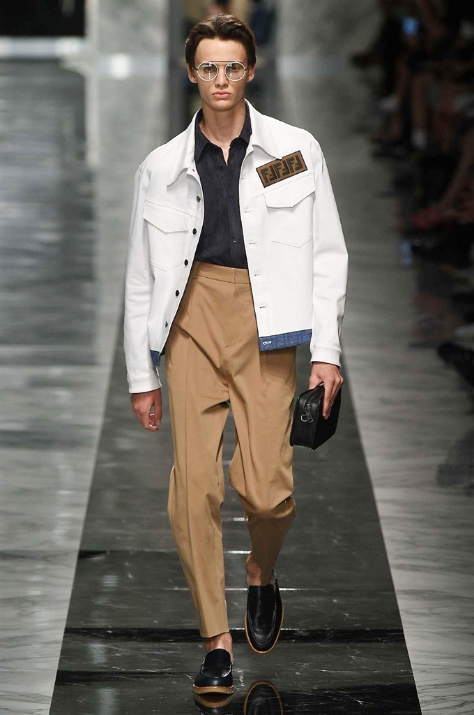Fotoservizio/SS 2018/MEN/FENDI/DP2/3