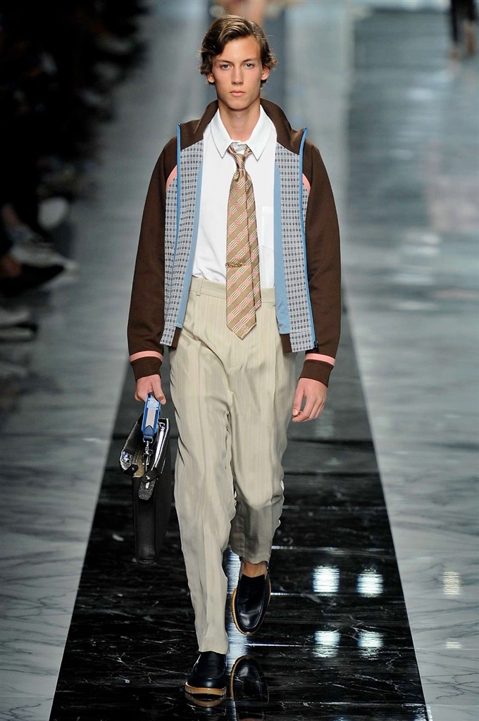 Fotoservizio/SS 2018/MEN/FENDI/DP2/14