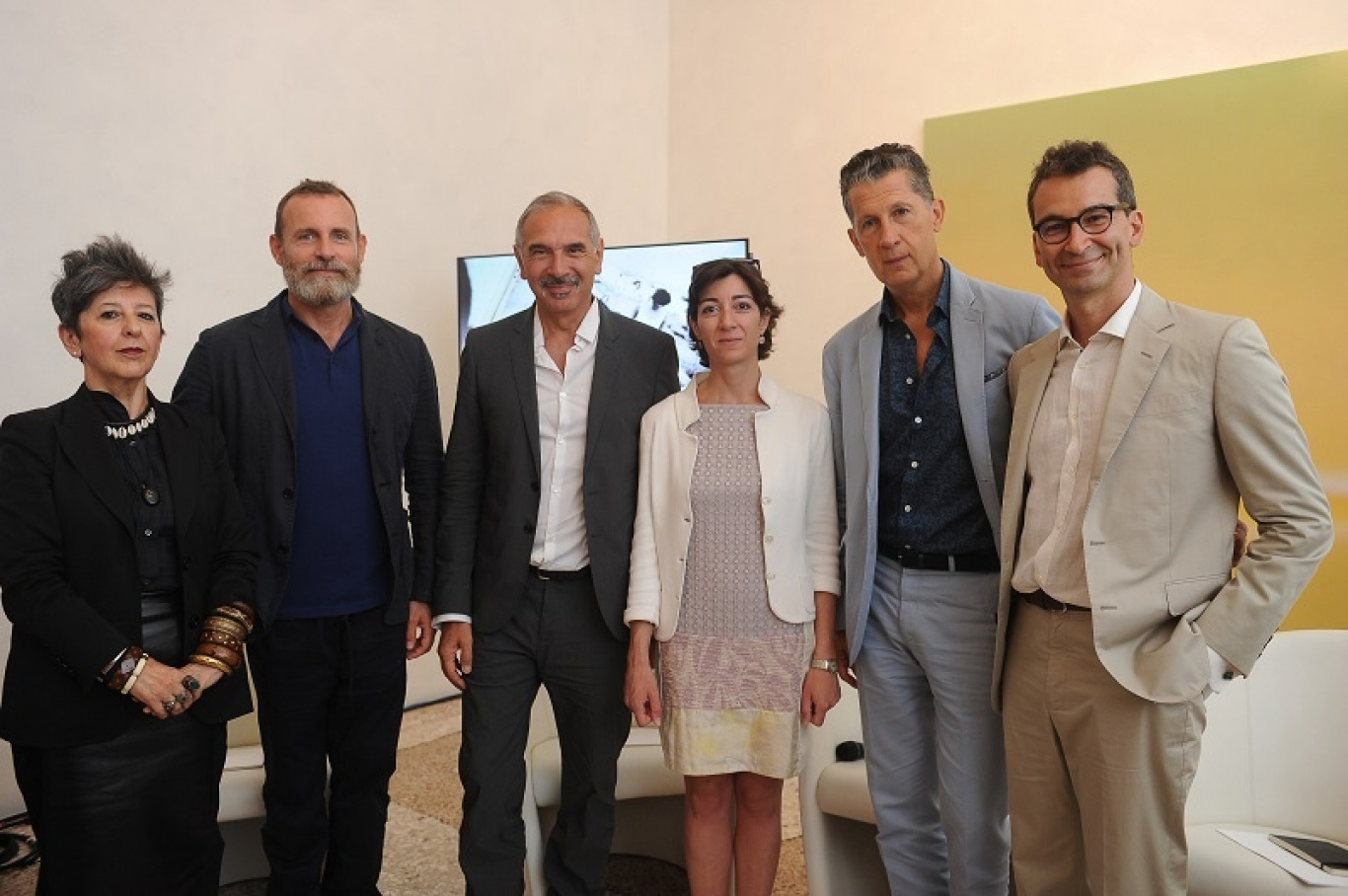 "CNMI announces ""ITALIANA. L'ITALIA VISTA DALLA MODA 1971 - 2001"""