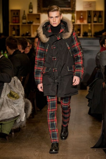 Fotoservizio/FW 2013-2014/MEN/MOSCHINO/DP1/5