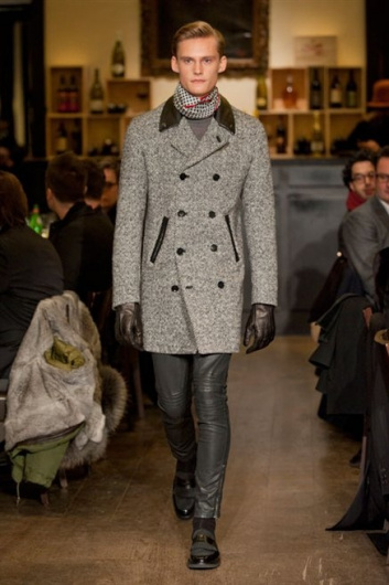Fotoservizio/FW 2013-2014/MEN/MOSCHINO/DP1/11