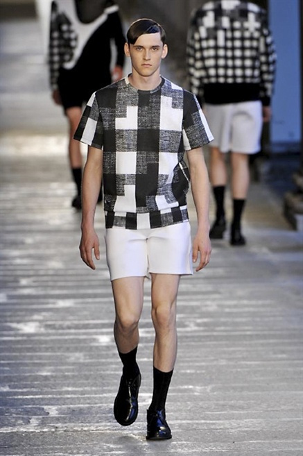 Fotoservizio/SS 2014/MEN/NEIL BARRETT/DP1/2
