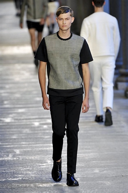 Fotoservizio/SS 2014/MEN/NEIL BARRETT/DP1/9